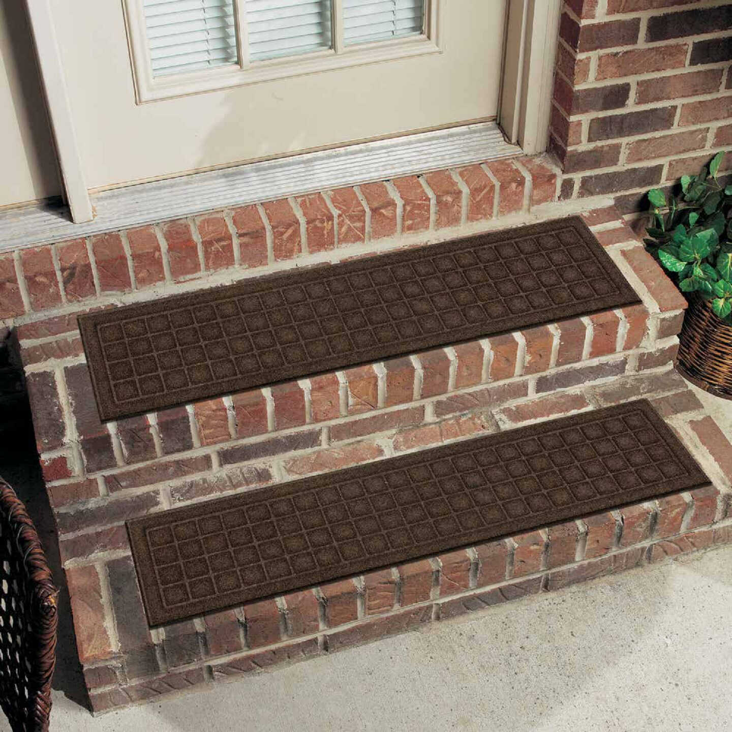 Mohawk Home Square Expressions Black 8 In. x 36 In. Recycled Rubber Stair Tread Image 1